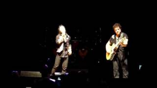 Video JOURNEY - Arnel Pineda sings Patiently and Why Can't This Night Go On Forever MP3, 3GP, MP4, WEBM, AVI, FLV Agustus 2018