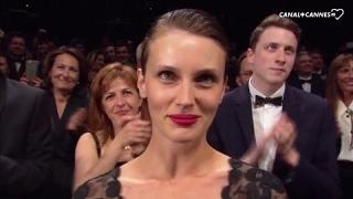 Video Ovation pour L'Amant Double avec François Ozon Marine Vacth Jérémie Renier - Festival de Cannes 2017 MP3, 3GP, MP4, WEBM, AVI, FLV Mei 2017
