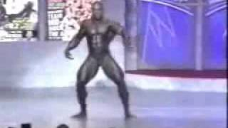 Breakdance Bodybuilder