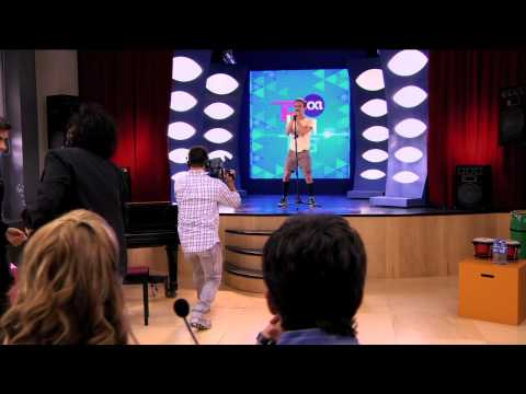 Violetta: Momento musical - Napo audiciona cantando ¨Destinada a Brillar¨