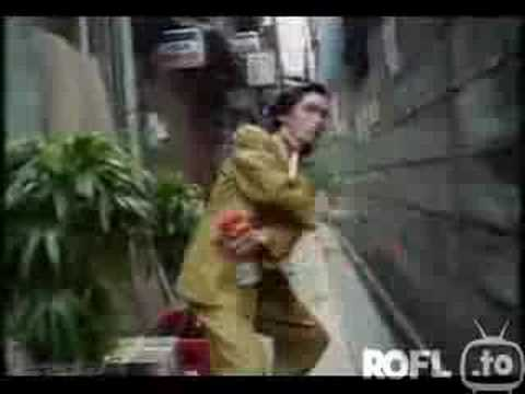 """Japanische Insektenspraywerbung """"FUSHIAA"""" – 100% LUSTIG :D"""