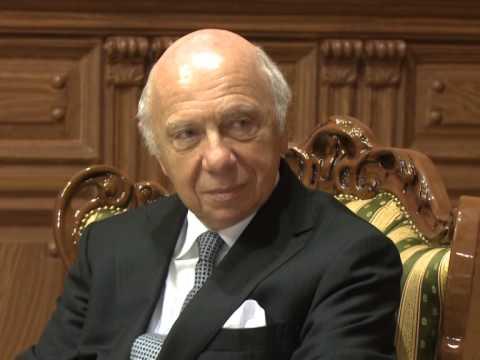 """Președintele Republicii Moldova, Nicolae Timofti, a acordat """"Ordinul de Onoare"""" neurochirurgului Jacques Brotchi"""