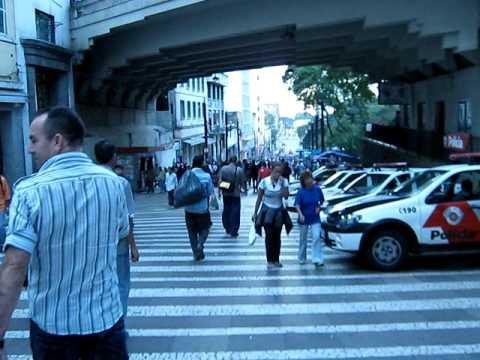 Caminhando por São Paulo: Rua General Carneiro e Praça Fernando Costa