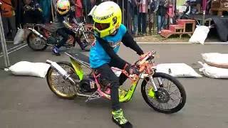 "Video Drag bike BSMC seri 2 Batang "" Kelas Matic 200cc open""20 November 2016 MP3, 3GP, MP4, WEBM, AVI, FLV Juni 2017"
