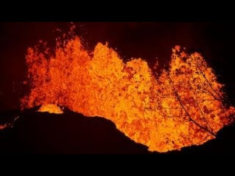 Lava from Hawaii volcano reaches the edge of a power plant (видео)