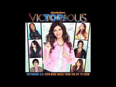 Tekst piosenki Victoria Justice - Faster Than Boys po polsku