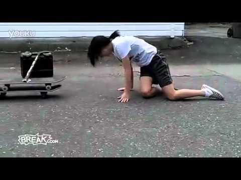 不懂這女孩幹嘛要跳第二次!