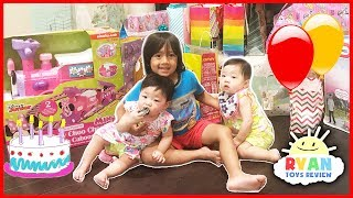 Twin's 1st Birthday Party Surprise Toys Opening Presents with Ryan ToysReview Emma and Kate! It was Minnie Mouse happy birthday theme! Lots of Friends and Family came to the babies party and Emma and Kate had their own smash cake! Ryan helped Emma and Kate open presents! There were lots of babies and kids toys! Lots of cute clothes and babies trains ride too! Thank you for joining our family for Ryan's Happy Birthday moment! Don't Forget to give us a thumbs up and feel free to wish the twins a Happy Birthday! Thanks for watching this Everyday with Ryan ToysReview segment and have a wonderful today!Ryan's 5th Birthday Party Surprise Toys Opening Presents Paw Patrol Egg Surprise Smash Birthday Cake https://youtu.be/c5_tNSQtFqs?list=PLasCX3wfxLR3RE1jaed5qyF1vlfrnm5s3   Ryan's 4th Birthday:GIANT SURPRISE BOX OPENING Spiderman Power Wheels Ride-On Happy Birthday Toys Cars Egg Surprise https://youtu.be/qKZizzNu4to?list=PLasCX3wfxLR3RE1jaed5qyF1vlfrnm5s3Everyday with Ryan ToysReview Playlisthttps://www.youtube.com/playlist?list=PLasCX3wfxLR3RE1jaed5qyF1vlfrnm5s3EVERYDAY WITH RYAN TOYSREVIEW - Daddy's Birthday , Lights Went Out & Playtime with Ella the Dog https://youtu.be/Nw-btBOaGq8?list=PLasCX3wfxLR3RE1jaed5qyF1vlfrnm5s3TWIN GIRLS Reveal Ryan ToysReview Newborn baby sisters New Family Members https://youtu.be/xFLhO4VQ3gg?list=PLasCX3wfxLR3RE1jaed5qyF1vlfrnm5s3Kid Grocery Shopping Trip with Kid Size Shopping Cart EVERYDAY WITH RYAN TOYSREVIEW https://youtu.be/eN-Zsu9r6hg?list=PLasCX3wfxLR3RE1jaed5qyF1vlfrnm5s3TWIN BABIES FIRST SHOTS at the doctor checkup Baby Girls Vaccine shots EVERYDAY WITH RYAN TOYSREVIEW https://youtu.be/szXqm9-mgms?list=PLasCX3wfxLR3RE1jaed5qyF1vlfrnm5s3WE FOUND A MOUSE IN OUR PANTRY Ryan prank Daddy RC Rat Gummy Rat Candy EVERYDAY WITH RYAN TOYSREVIEW https://youtu.be/JZ1L0tLKHV8?list=PLasCX3wfxLR3RE1jaed5qyF1vlfrnm5s3Christmas Morning 2015 Opening Presents Surprise Toys Ryan ToysReview https://youtu.be/MkiQVURF4qQ?list=PLasCX3wfxLR3RE1jaed5qyF1vlfr