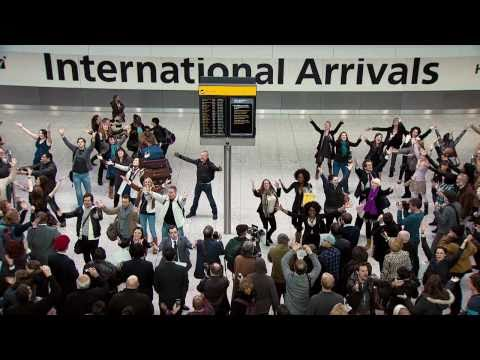 Lifesforsharing - Watch arriving passengers be given a welcome home to remember at Heathrow Terminal 5. Big thanks to all our talented singers who feature in the ad. For upda...