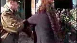 Pelea De Mujeres Versus Carabineros