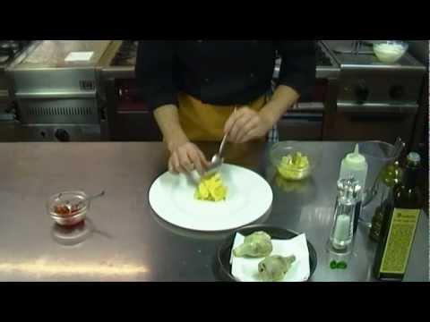 Carciofi fritti, con provola affumicata, patate mantecate, pendolini e salsa agrodolce ricetta