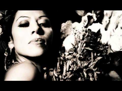Tekst piosenki Lila Downs & Raul Midón - Black Magic Woman po polsku