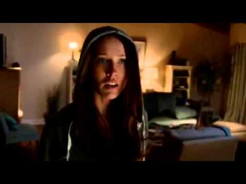 True Blood Season 7 Episode 6 - Sara breaks in & Amber attacks her