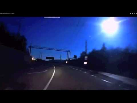 Fire in the Sky News / Brilliant RED Meteor Turns Night to Day! (video)