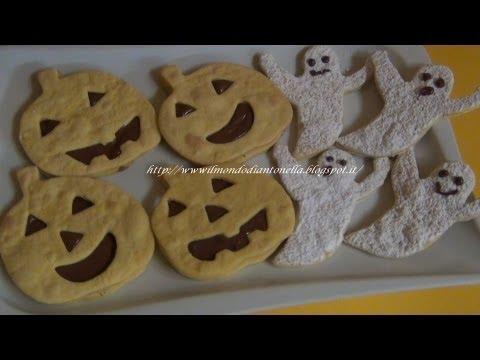 biscotti di halloween a forma di fantasmini e zucche.
