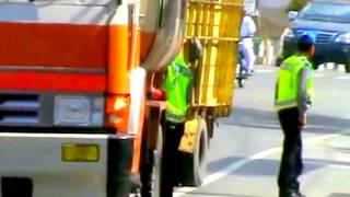 Video Aksi Pungli Oknum Polisi Lalulintas (Polantas) Minta Uang Damai, Tertangkap Kamera MP3, 3GP, MP4, WEBM, AVI, FLV November 2018