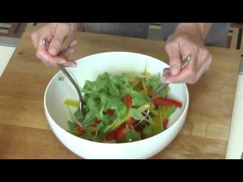 insalata di cornelio, rucola e parmigiano - ricetta
