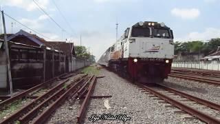 Video 10 Kereta Api Raja Super Ngebut MP3, 3GP, MP4, WEBM, AVI, FLV Agustus 2017