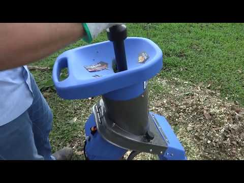 Triturador de galhos Lippel - Bio 32 para pequenas propriedades