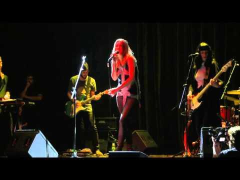 Deborah De Corral video La serpiente - Teatro Sony 2016