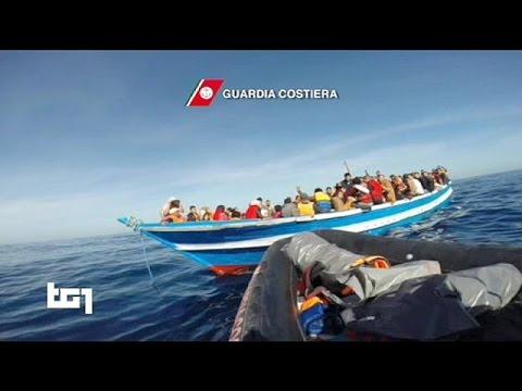Ιταλία: Γιγαντιαία επιχείρηση διάσωσης 3.000 μεταναστών