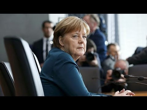 Γερμανία: H Μέρκελ κλήθηκε να δώσει εξηγήσεις για το σκάνδαλο της VW