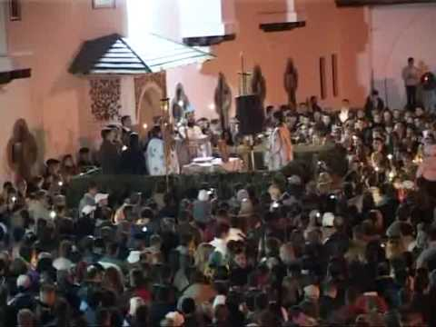 Sute de credinciosi la Manastirea Sinaia