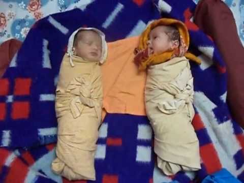 Video Twin babies - Laughing Talking Crying Sleeping download in MP3, 3GP, MP4, WEBM, AVI, FLV January 2017