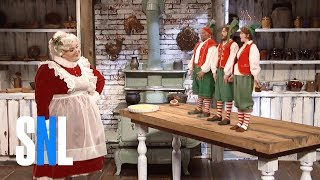 Video Mrs. Claus & The Elves - SNL MP3, 3GP, MP4, WEBM, AVI, FLV Desember 2018