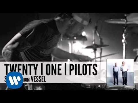 Screen - twenty one pilots' official audio stream for 'Screen' from the album, Vessel - available now on Fueled By Ramen. Visit http://twentyonepilots.com for more! D...