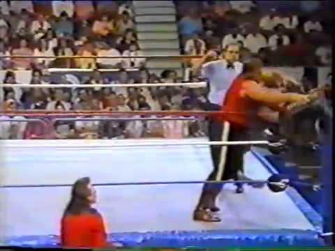 Mountie V Tatanka (WWF 1992) (видео)