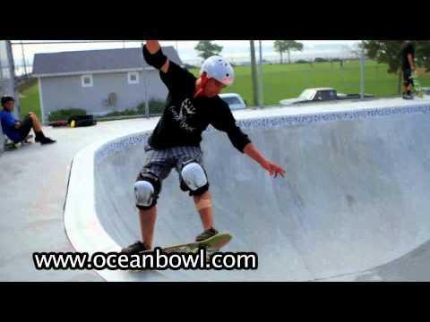 Ocean Bowl Skatepark - New Pool Session 2011