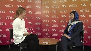 Video Emma Watson interviews Malala Yousafzai Nobel Peace Prize MP3, 3GP, MP4, WEBM, AVI, FLV Mei 2018