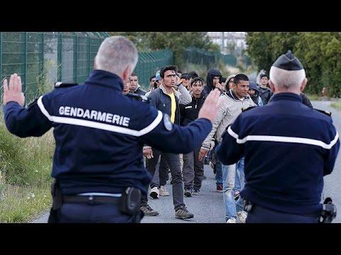 Γαλλία: Εκτός ελέγχου η κατάσταση με τους μετανάστες που φτάνουν στο Καλαί