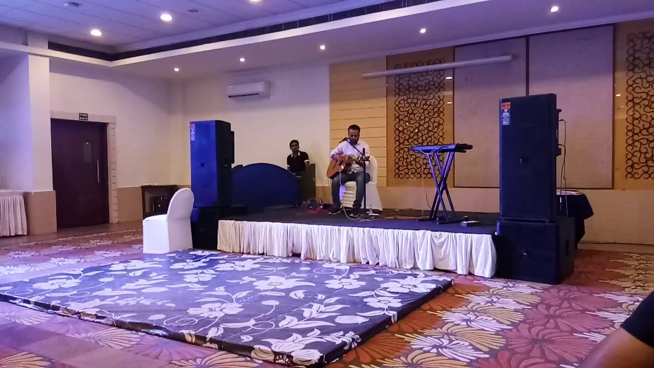 Bollywood Songs on Guitar by Himanshu Saxena