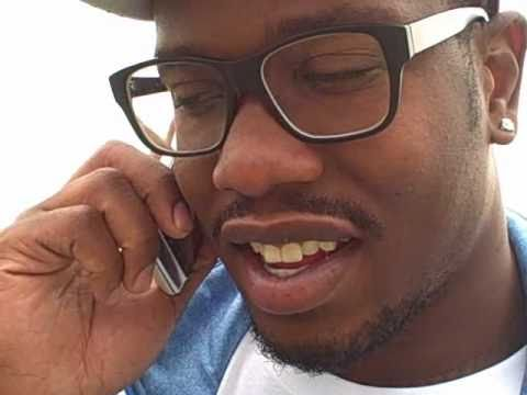 Von Miller Phones a Fan