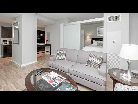 A furnished short-term 1-bedroom in Chicago's Loop Theater District