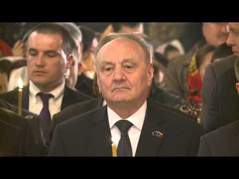 Moldovan president attends Easter mass