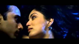 All Kissing Scenes   Sanam Re   2016