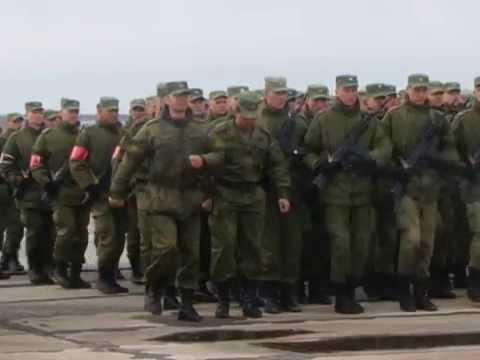 Парад Победы репетируют на аэродроме на Кряже