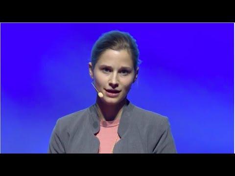 Charming bowels | Giulia Enders | TEDxDanubia