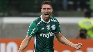 Em grande atuação no Allianz, o Verdão goleou o Figueirense e se isolou na liderança do Brasileirão. ----------------------- Seja...