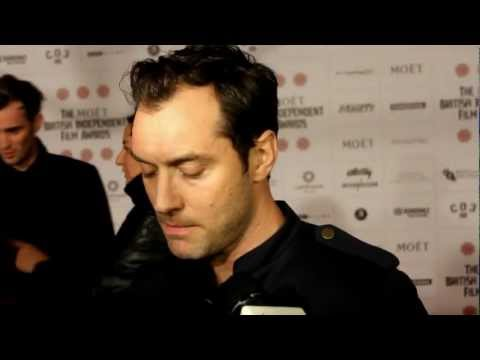 heyuguysblog - Stefan Pape from HeyUGuys interviews Actor Jude Law at the 2012 British Independent Film Awards. He talks about working with Werner Herzog and Steven Soderbe...
