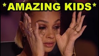 Video Top 10 *MOST AMAZING KIDS* SINGING GOLDEN BUZZER AUDITIONS! MP3, 3GP, MP4, WEBM, AVI, FLV Juni 2018