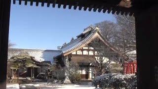 冬の朝、興禅寺の雪景色
