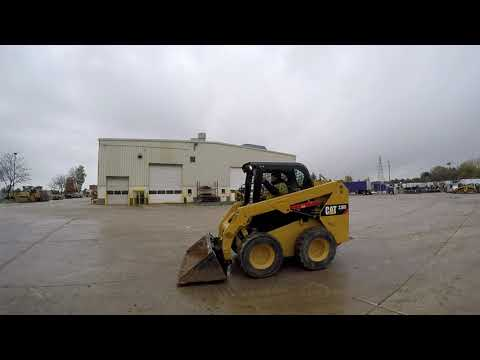 CATERPILLAR SKID STEER LOADERS 236D equipment video NO1NnEFboZ0