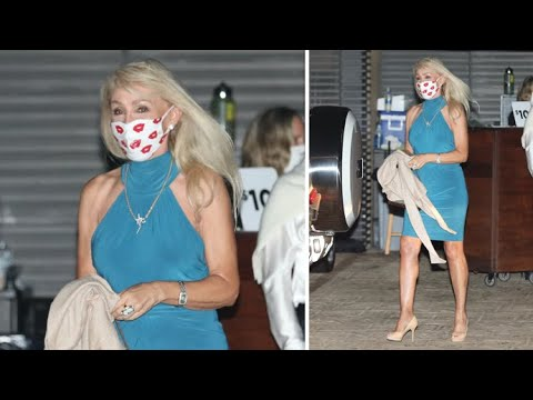 Linda Thompson Flaunts Her Fabulous Legs And Toned Arms At Nobu