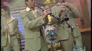 Banda La Pirinola - cuarenta grados (Con Lujan)