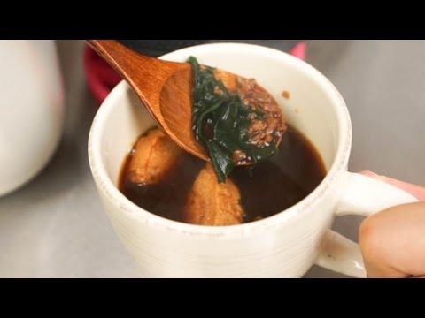 30秒で作れる!!ダシがなくてもサッパリ美味しい醤油麹お吸い物の作り方