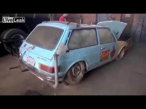 Venäläinen autogrilli lähtee veivillä käyntiin